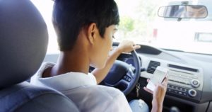 Smartphones, Cell Phones & Distracted Driving