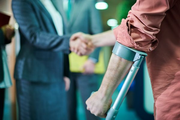 Five Reasons to Talk To A Personal Injury Lawyer After An Accident